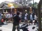 Bali: procession religieuse à Ubud